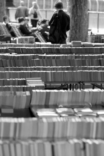 book_store_on_Thames